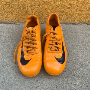 Nike football shoes sneakers yellow leather